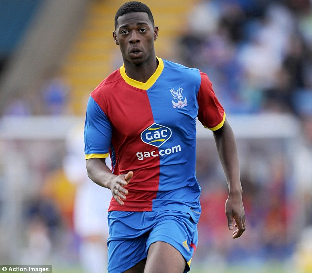 Sullay Kaikai makes Premier League debut for Crystal Palace