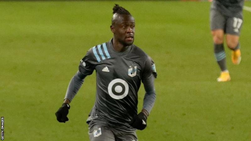 Sierra Leone striker Kei Kamara moves to Finland